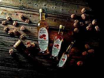 Huile de noix artisanale
